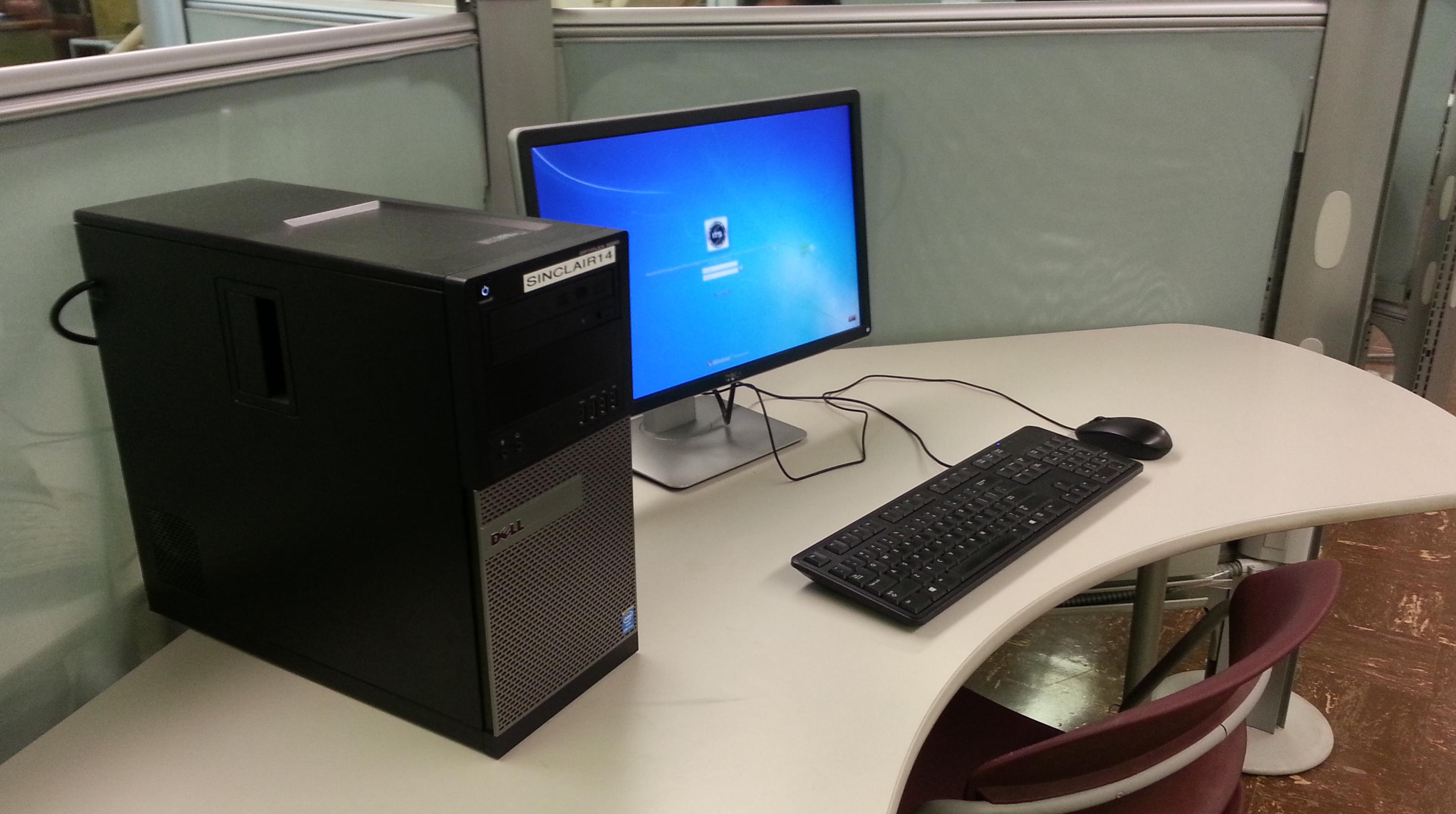 Computer in Hamilton CLIC Lab